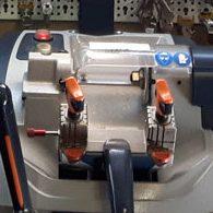 macchinario-duplicazione-chiavi-cauccisicurezza